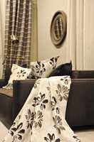 Grått i alle mulige varianter både i møbler, puter og gardiner, er alltid populært.