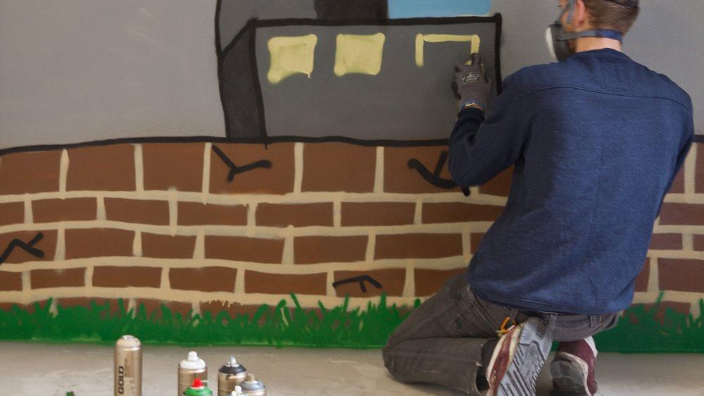 ef8d5d6f UTFOLDELSE: Med spraymaling kan du bli din egen muralmaler.