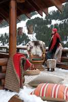 Spesielt om vinteren er varme pledd gode å ha på hytta.