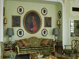 Gritti har fått godt håndverk fra en av de mest kjente venetianske familiene. Delikate farger er valgt i Hemingway-suiten.
