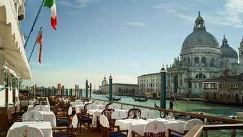 Gritti Palace er midt i Venezia, og ligger rett ved Gran Canal. Rubelli har skapt en spesialkolleksjon til Gritti Palace med elegante og fantastiske tekstiler.