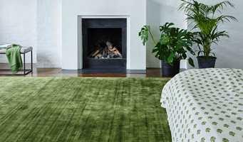 Våren og sommeren bringer med seg herlige grønnfarger ute. Det gjør oss godt. Ta med fargene i interiøret, så får du nyte dem også inne.