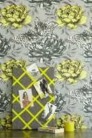 Borge med et stilig tapet! Dette er Clarke & Clarke Papillon Chartreuse.