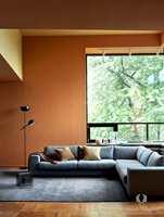 <b>MODERNISME:</b> Pure & Original er ute med en ny fargekolleksjon, der Dagny Fargestudio bolter seg med frisk fargesetting, blant annet gylne gultoner som Kenyan Copper på vegger og Honey Glow i taket.