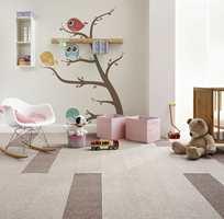 <b>MYKT OG VARMT:</b> Komfort står høyt på lista når gulv til barnerom skal velges. Og lite slår teppegulv når det kommer til det. Med teppefliser er det også enkelt å bytte ut en flis ved søl og gris.