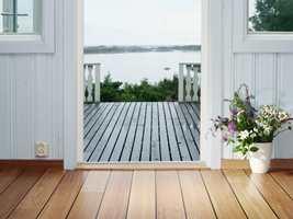 <b>ANDRE HJEM:</b> Hytta er vårt andre hjem, og vi bør velge et gulv som både er pent, som tåler en trøkk og som er enkelt å vedlikeholde.