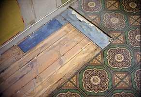 Ofte finnes det mye flott gulv under 70-tallsbelegget.