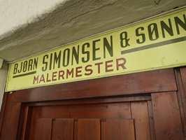 <b>GOD TRADISJON:</b> Bjørn Simonsen & Sønner ble etablert i 1931. I dag ledes den tradisjonsrike bedriften av Morten Simonsen. Han er tredje generasjon malermester.