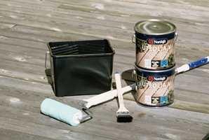 Utstyr til oljing av terrassen. Husk vaskekost og kraftvask også!