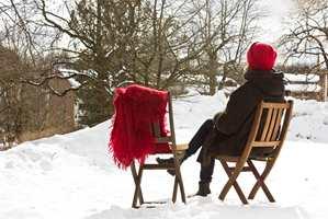 <b>NYT VÆRET:</b> Det er ekstra deilig å nyte påskesola når du vet at møblene er trygge.