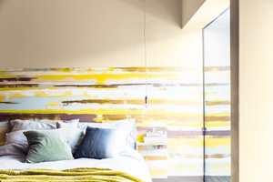 <b>HELMAKS:</b> Med flere farger, ujevne striper og rufsete kanter kan det bli skikkelig fint! (Foto: Nordsjö)