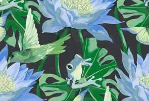 I tapetboken Happy Nature fra Flügger finner vi fugler blant fargerike frosker og blomster.