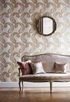 <b>STORT:</b> Her har elegansen kommet opp på veggen. Stormønstret paisley i gull, kommer fra engelske Harlequin og føres av Tapethuset.
