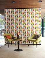 Nå selges tapeter også i trendy retro-forretninger som fører Orla Kielys andre design.