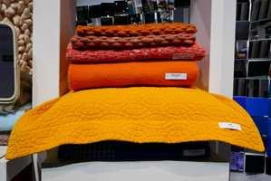 <b>FRISKT:</b> Nabofargene rødt, oransje og gult i aktuell samklang. (Foto: Bjørg Owren/ifi.no)