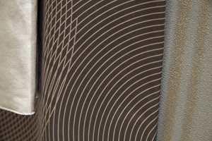 Split Clarity: Geometriske mønstre med shimmer.