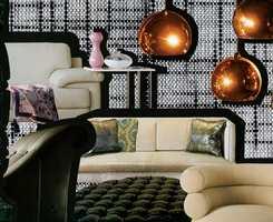 Trend med tekstil inspirasjon - elegant og stilig, større mønstre og mørkere farger.