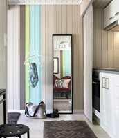 Aksentfargene i leiligheten er samlet i stripene.