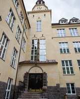 Hersleb skole er et ærverdig klassisk bygg fra 1922, plassert midt i Gamle Oslo; tjente som ungdomsskole inntil 2011, da kommunen satte i gang et storstilt rehabiliteringsprosjekt.