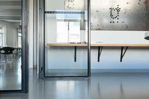 <b>LETTSTELT:</b> At Artigo Uni er slitesterkt og enkelt å rengjøre, er to egenskaper som kommer godt med i et kontormiljø.