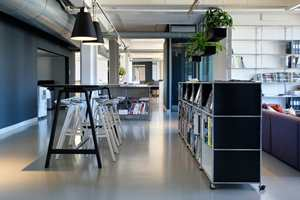 <b>POP:</b> Rundt om i Norge ligger tusenvis av kvadratmeter gummigulv i offentlig lokaler. LPO Arkitekter sine kontorer er bare ett av stedene.
