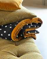 <b>GYLLENT</b> Tekstiler fra Lizzo har gulfarger som lett lar seg mikse med andre farger. (Foto: Green Apple)