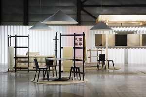 <b>NORSK-JAPANSK:</b> Kafeen på messen er et samarbeid mellom de norske designerne Anderssen & Voll og den japanske produsenten Ariake.
