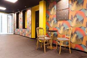 <b>GULLSTOL:</b> På Thon Hotel Nidaros er vegger og gulv dekorert slik at gullstolene sitter godt.