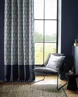 <b>GARDINER:</b> Lange gardiner, fra tak til gulv, er et «must» for å gjenskape hotellstilen.