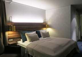 <b>PÅ HOTELLET:</b> På Radisson Blu Polar Hotel Spitsbergen har de valgt å male 67 rom med Fresco «Riversilt» fra Pure & Original.