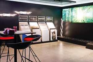 <b>SE HER:</b> Byggma viser fram sine produkter på en egen stand i showrommet.