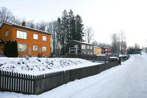 <b>ALLE ÅRSTIDER:</b> Du gjør lurt i å teste fargen på huset allerede nå, så ser du om den også kler vinterværet. (Foto: Bjørg Owren/ifi.no)
