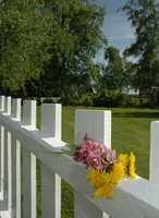 Mange drømmer om et hvitmalt gjerde utenfor boligen.