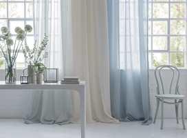 <b>LUFTIG:</b> Gardiner kommer i mange ulike farger og fasonger. Disse florlette gardinene fra kolleksjonen Midori fra Borge gir et vårlig, lett uttrykk.
