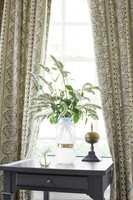 <b>STUERENT:</b> Etter mange gardinløse år, har gardiner igjen blitt stuerene. Disse er fra Green Apple.
