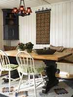 Farger: vegger – 0502-Y, bordets understell – sort