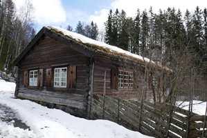 <b>HYTTEDRØM:</b> Den ultimate hyttedrømmen er den gamle setra. (Foto: Bjørg Owren/ifi.no)