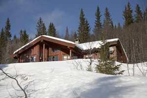 Hyttens interiør står nå i stil med hyttens vakre utside.