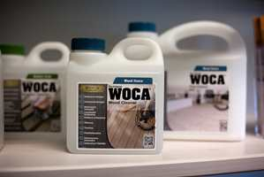 IBG representerer danske WOCA i Norge, og fører et bredt sortiment med pleie- og vedlikeholdsprodukter for gulv og benkeplater.