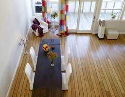 Og her er stuen etter, slik den ser ut fra hemsen.