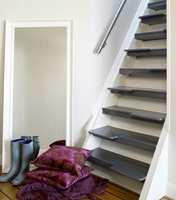 Trappen er fortsatt like bratt, men med sambatrinn er den allikevel enklere å gå i.