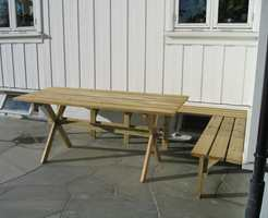 Slik så det ut før. Møblene var fine og hadde god kvalitet, men ellers var kroken ganske kjedelig.