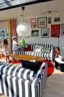 IKEA lanserte årets norske katalog under Øya-festivalen i Oslo. I Middelalderparken hadde hjeminnredningsgiganten innredet fire fiktive leiligheter med møbler fra årets katalog. Temaet for utstillingene var det samme som for katalogen: Hjemmet er verdens viktigste sted. Kom deg hjem.