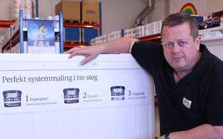Profesjonelle malere holder seg til systemmaling, i følge butikksjef Tor Torvaldsen ved Beckers Pro-Center.