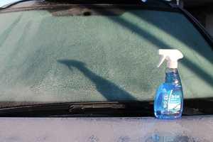 <b>KVIKK START:</b> «De Icer» fra Kemetyl gjør kalde jobber kortere. Etter noen sekunder er du klar til å kjøre av gårde.