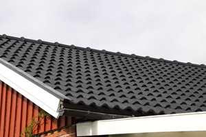 Taket blir som nytt etter grundig rengjøring og påføring av taksteinsolje.