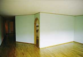 Rominndeling før oppussingen. Bak veggen er kjøkkenet.