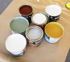 Velger du en høykvalitetsmaling, kan du vente i ti til tolv år før du må male huset på nytt!