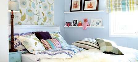 Soverommet er svalt og rolig, men har et personlig preg.