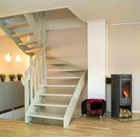 Trappen ble liten og elegant og tok opp mye mindre plass i rommet.